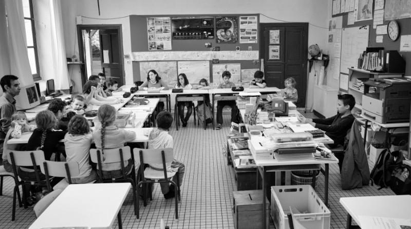 La grande guerre nationale contre les petites écoles